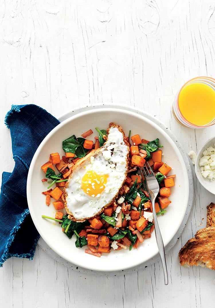 Kumara, spinach & bacon hash with eggs & feta
