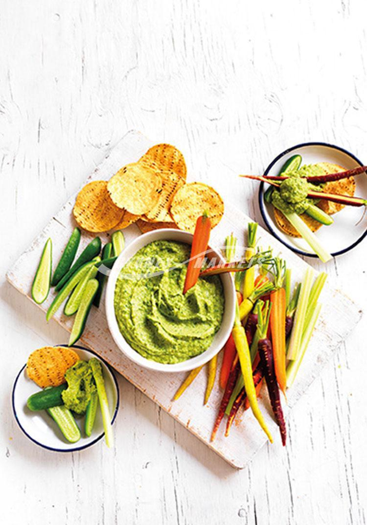 Avocado & spinach hummus with veggie dippers