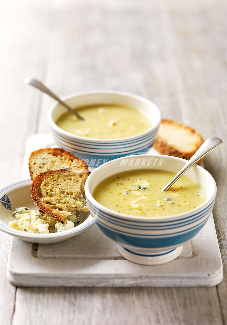Creamy celery & blue cheese soup