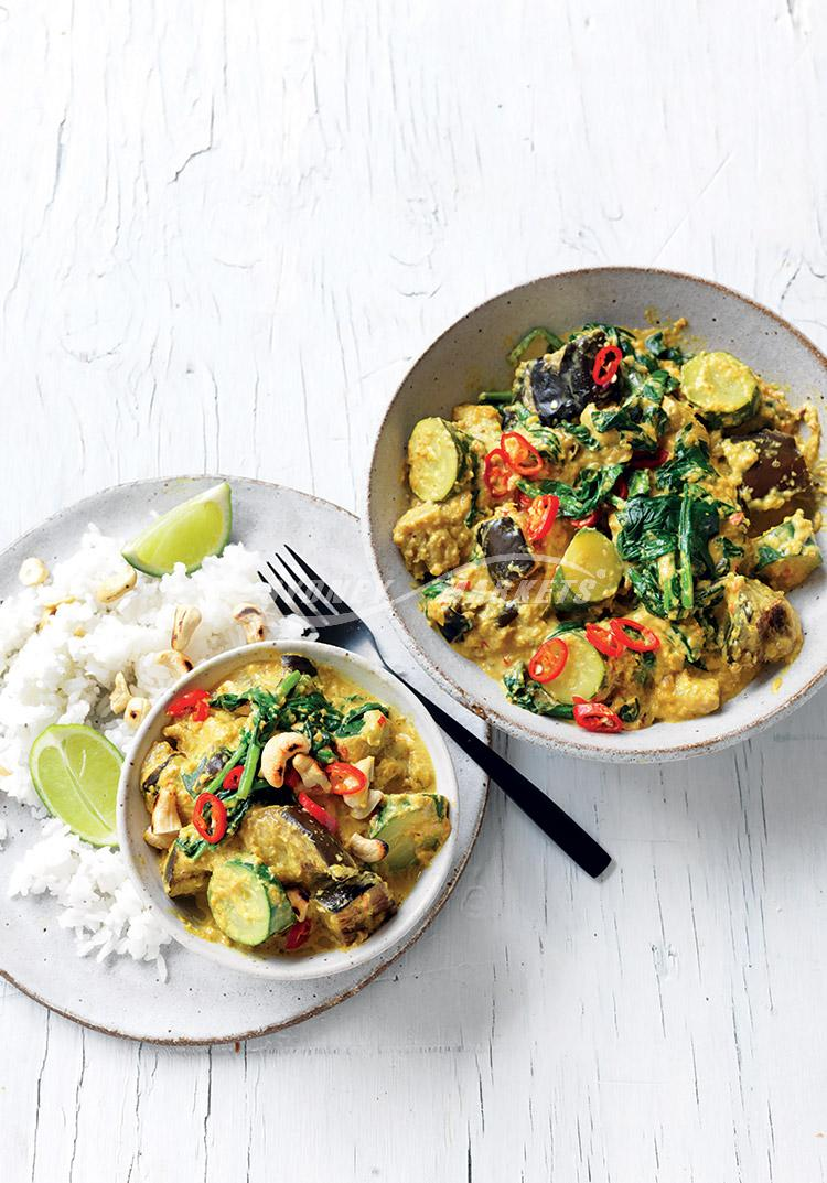 Eggplant, spinach & zucchini rendang curry