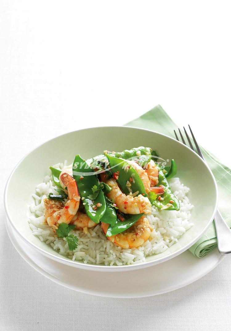 Garlic & chilli prawns with snow peas
