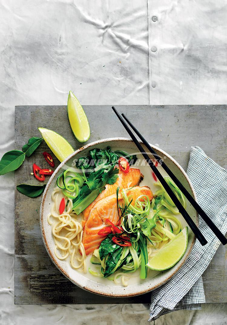 Green veggie & salmon spicy noodle soup